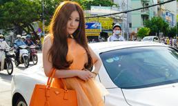 Hot girl Ivy nổi bật giữa phố với Lexus 2 cửa