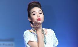 Minh Hằng cực đáng yêu trình diễn thời trang