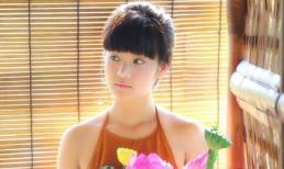 Hot girl Hoàng Yến Chibi quyến rũ với áo yếm, nội y