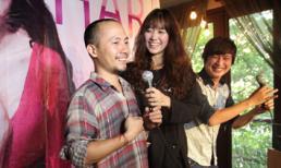 Họp fans: Bạn gái Hàn Quốc tặng rapper Tiến Đạt quà trị giá