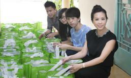 Hoa hậu Thu Hoài dẫn các con cùng đi từ thiện