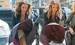 'Thiên thần bóng tối' Jessica Alba 'hết hồn' vì bị tốc váy