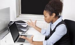 Phụ nữ làm việc với email thường xuyên dễ bị huyết áp cao