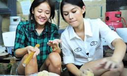Văn Mai Hương rủ Ngọc Thanh Tâm làm bánh trung thu cho người nghèo