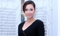 Vương Thu Phương quyến rũ với đầm đen