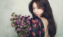 Park Shin Hye khoe sắc đẹp hơn hoa