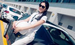 Thủy Tiên khoe dáng bên siêu xe ở Dubai