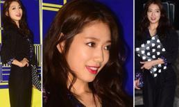 Park Shin Hye khoe dáng sành điệu với 'cây đen'