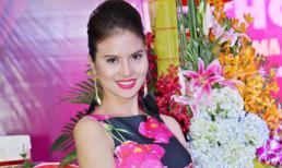 'Gái quê' Lê Thị Phương khoe đường cong với váy hoa ôm sát