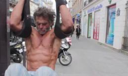 Bài tập thể dục đường phố của lực sĩ vô gia cư