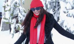 Khánh My rạng rỡ dưới tuyết đón Giáng sinh