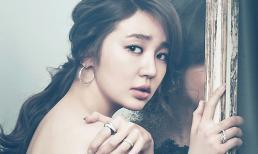 Yoon Eun Hye buông lơi vai trần trên tạp chí High Cut