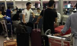 Trương Thế Vinh lẻ loi ở sân bay lúc nửa đêm