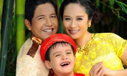 Gia đình Thanh Thúy rạng rỡ với áo dài truyền thống