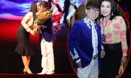 Long Nhật được ca sĩ chuyển giới hôn tại liveshow hài Thúy Nga
