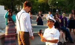 Màn cầu hôn bạn trai của lính hải quân hút 2 triệu lượt xem