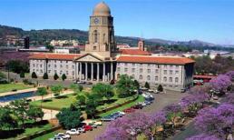 """Pretoria – """"Thành phố tử đinh hương"""""""