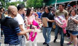 'Mỹ nhân đẹp nhất Philippines' làm náo loạn đường phố
