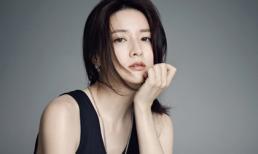 Lee Young Ae đẹp thuần khiết như nữ thần ở tuổi 43