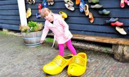 Chuyện về đôi giày gỗ Clog nổi tiếng xứ Hà Lan