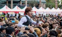 Ca sĩ Lâm Chấn Khang bị khán giả Đài Loan vây kín