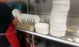 Siêu nhân... rửa đĩa