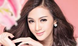 Hotgirl Kelly Nguyễn đẹp tinh khôi với sắc trắng