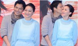 Vợ chồng Châu Tấn tình tứ, mặn nồng trên sân khấu