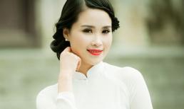 Á khôi Lưu Ly khoe sắc tinh khôi với áo dài trắng
