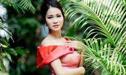 Xuân Nguyễn khoe dáng quyến rũ với váy dạ hội