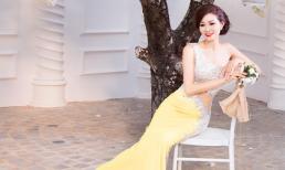 Diễn viên Xuân Nguyễn khoe eo thon quyến rũ