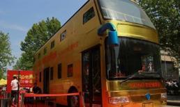 Lạ lùng chiếc xe buýt cho người lên để... tìm vàng