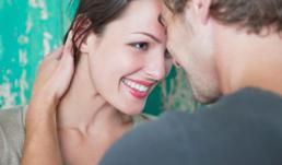 Dấu hiệu chứng tỏ bạn quá thụ động trong tình yêu