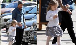 Harper điệu đà cùng bố Beckham đi mua kem