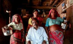 Những người phụ nữ được cưới về chỉ để đi lấy nước
