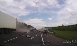Ô tô vượt ẩu gây tai nạn kinh hoàng
