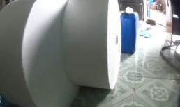 Bàng hoàng với quy trình sản xuất khăn giấy ướt bẩn