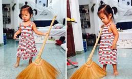 Con gái Xuân Lan tập làm người lớn, giúp mẹ quét nhà