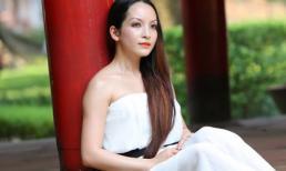 'Say lòng' trước loạt ảnh mới của diễn viên Linh Nga ở Văn Miếu
