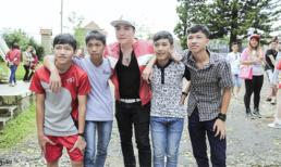 Lâm Chấn Khang: 'Ông vua miền tây' thân thiện sở hữu lượng fans trung thành khủng