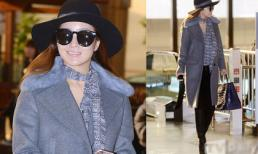 Kim Hee Sun đẹp quên tuổi tác với style  trẻ trung tại sân bay