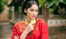 Trúc Diễm khoe nét đẹp thuần Việt với áo tứ thân