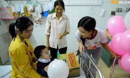 Công ty Tâm Hiếu thăm và trao quà các bệnh nhi tại Bệnh viện Tim Hà Nội