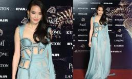 Thư Kỳ táo bạo với váy 'rách lỗ chỗ' tại lễ trao giải Kim Mã