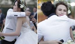 Diễm Hương khóc như mưa trong đám cưới vắng mặt bố mẹ ruột