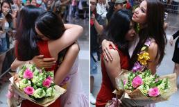 Mẹ con Phạm Hương ôm nhau khóc nức nở giữa sân bay