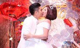 Chồng đại gia hôn Vân Trang đắm đuối trong lễ cưới