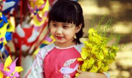 Suka khoe nét thiên thần trong vườn Xuân
