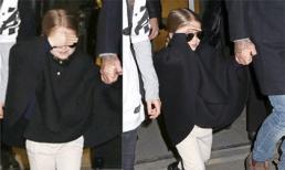 Harper Beckham diện đồ sành điệu khi đi cùng bố và các anh