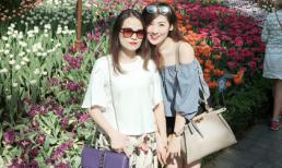Á hậu Tú Anh cùng mẹ đi du lịch Singapore